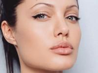 Анджелина Джоли признана самой красивой женщиной в мире (ФОТО)