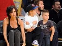Семейство Бекхэмов на баскетболе (8 ФОТО)