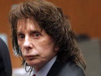 Продюсер Beatles приговорен к 19 годам тюрьмы