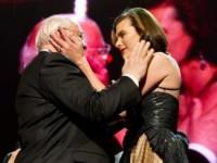 Милла Йовович поздравила Михаила Горбачёва голой грудью (ФОТО)