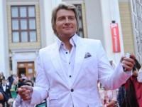 Николая Баскова атаковал голый фанат