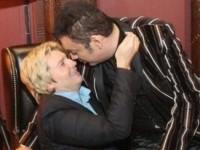 Николай Басков и Филипп Киркоров поцеловались в губы прямо на сцене (ФОТО)
