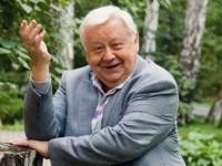 Олег Табаков раздал премии
