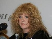 Алла Пугачева отказалась от унитазов Кристины Агилеры