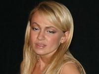 Яна Рудковская обнаружила в себе талант певицы