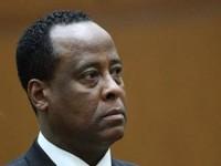 Восьмерым врачам Майкла Джексона удалось избежать правосудия