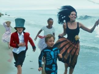 Анджелина Джоли и ее семья