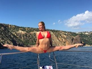 Анастасия Волочкова и ее шпагаты