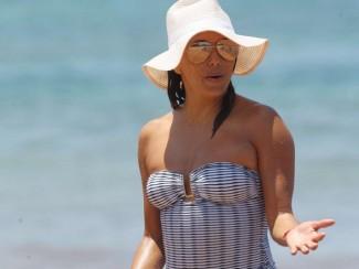 Ева Лонгория в бикини на пляже