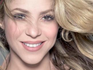 Шакира в журнале Cosmopolitan