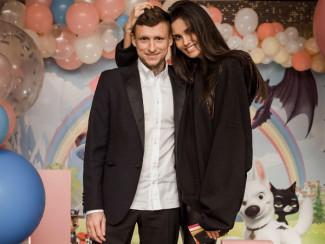 Павел Мамаев с женой Аланой
