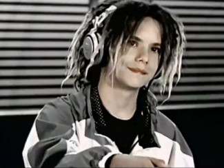 Кадр из клипа «Bomfunk MC's» на песню «Freestyler» (2000)