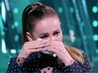 Ольга Бузова плачет