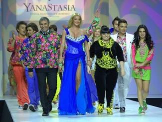 Показ коллекции дизайнерского дуэта «YanaStasia»