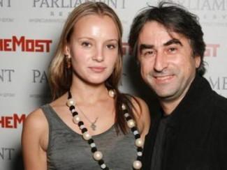 Александр Толмацкий в третий раз стал отцом | Life-star.ru анджелина джоли инстаграм
