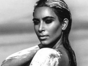 Обнаженная Ким Кардашьян в пустыне (10 ФОТО)