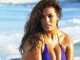 Модель plus-size Эшли Грэм поразила своим целлюлитом (40 ФОТО)