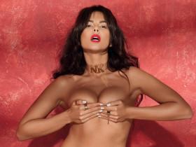 Всё как мы любим: голая Настя Каменских в журнале XXL (9 ФОТО)