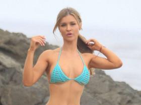 Возраст не помеха: 39-летняя Джоанна Крупа снялась в бикини (19 ФОТО)