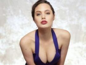 В Сеть попали новые фото Анджелины Джоли в молодости (25 ФОТО)
