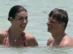 Андрей Аршавин с новой любовницей появился на пляже (10 ФОТО)