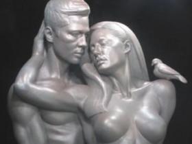 Голых Анджелину Джоли и Брэда Питта запечатлели в камне (4 ФОТО)