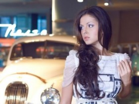 Певица Нюша снялась для рекламы ретроавтомобилей (30 ФОТО)