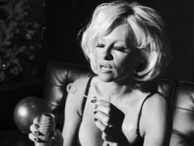 Неувядающая Памела Андерсон в Love Magazine (11 ФОТО)