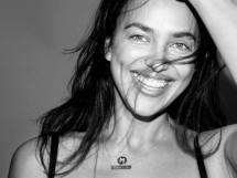 Ирина Шейк разделась и снялась без косметики для немецкого Vogue (17 ФОТО)