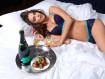 Ирина Шейк не расстроилась после расставания с Брэдли Купером и продолжила раздеваться (23 ФОТО)