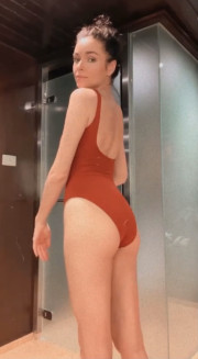 38-летняя Ирена Понарошку, доказала, что по-прежнему в форме