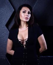 Наталья Бочкарева отделалась штрафом за хранение кокаина и отпраздновала это событие эротическим фото