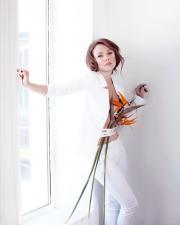 Альбина Джанабаева отметила 40-летие фотографией с голой грудью