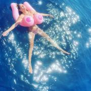46-летняя Хайди Клум снова снялась топлесс