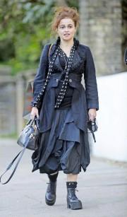 Хелена Бонэм-Картер на улицах Лондона