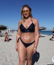 Без комплексов: модель Искра Лоуренс (27 лет) на пляже в Майами