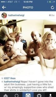 Кэтрин Хейгл выложила фото со съёмочной площадки и уточнила, что снимается не в порно