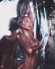 Ким Кардашян снялась голой для рекламы новой линейки своей косметики
