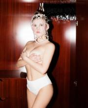 Анна Цуканова-Котт поделилась эротическим фото