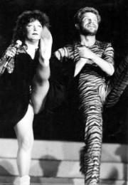 Ретрофото. Алла Пугачёва и Борис Моисеев танцуют канкан