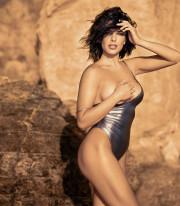 Бывшая участница группы «ВИА Гра» Ольга Романовская похвасталась роскошной фигурой
