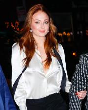 Звезда «Игры престолов» Софи Тёрнер пришла на вечеринку без нижнего белья