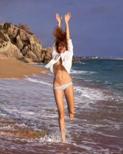 42-летняя Любовь Толкалина в отличной форме