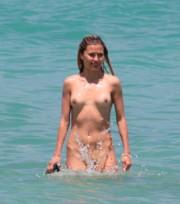 Голая Виктория Боня на пляже Майами