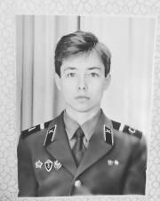 Сергей Зверев удивил поклонников армейским фото