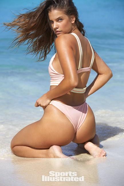 Модель Барбара Палвин в Sports Illustrated Swimsuit Issue 2017