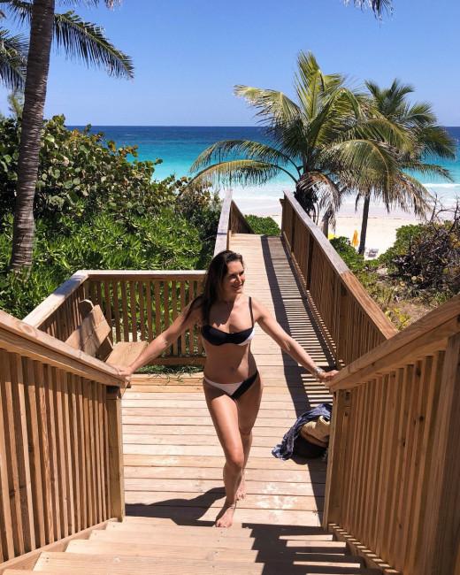 52-летняя Брук Шилдс в купальнике