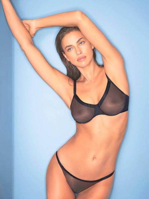 Ирина Шейк снялась в рекламе прозрачного белья