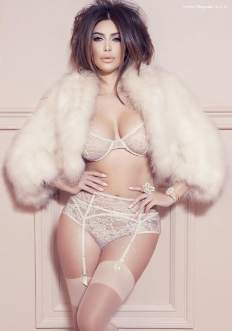 Ким Кардашян в нижнем белье на обложке Factice Magazine