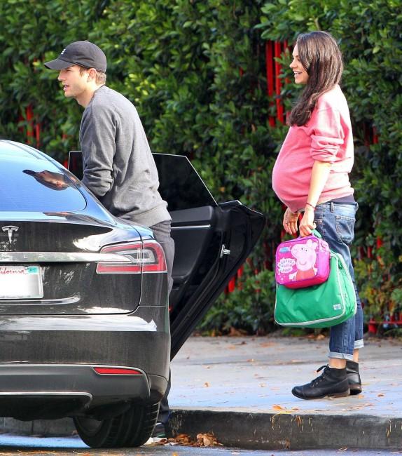 Мила Кунис и Эштон Катчер готовятся к рождению второго ребенка